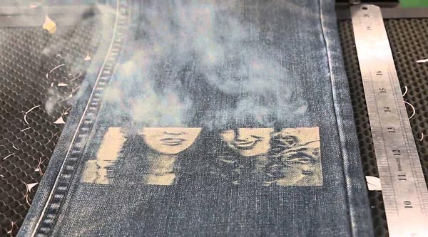牛仔裤激光雕刻