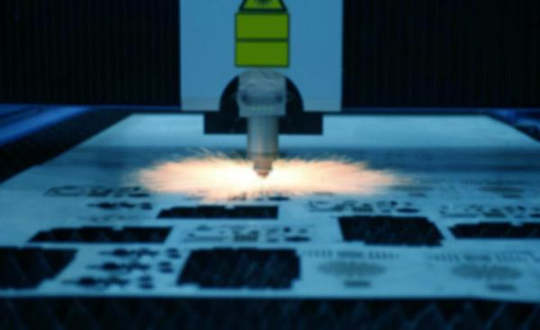 激光切割是3C产品制造技术的代表