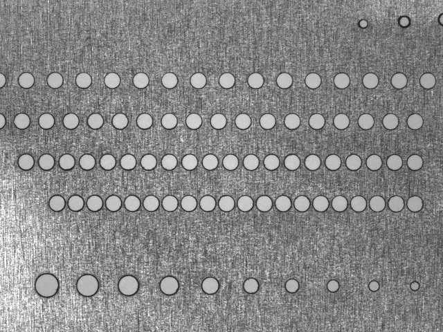 薄金属激光打孔2
